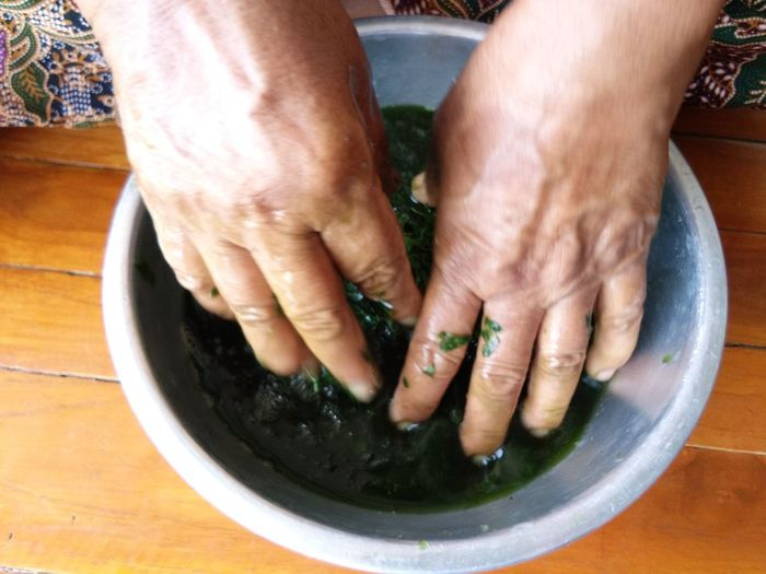 Herb Water Green Nature EyeEm Selects Human Hand High Angle View Close-up Finger Human Finger