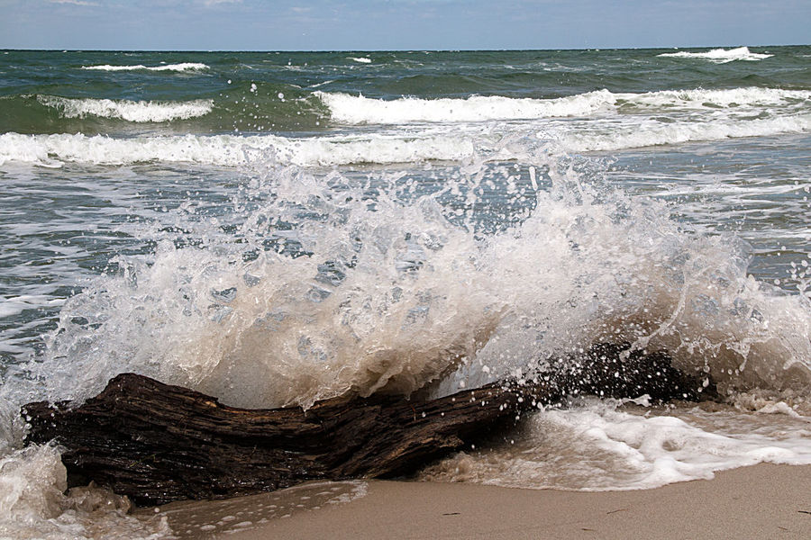 Holiday Landscape_Collection Travel Beach Beauty In Nature Crash Day Drift Wood Structure Force Horizon Over Water Motion Nature Nature_collection No People Outdoors Power In Nature Sand Sea Sky Tourism Water Wave