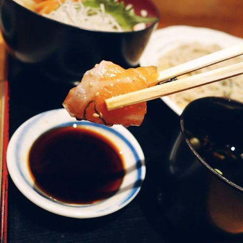 That Salmon Sushi Foodporn Mabataki VSCOcamAndroid @vsco @oneplus onepluslife sync