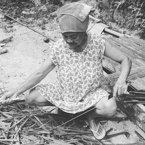 My Granny.... Living a simple life at one of the Moluccan Islands Ambon.. a strong woman who climbs the mountain to get home.. Bw Women Who Inspire You Primitive Reality Reallife Granny Strongwoman Maluku  Mountainliving Alifuru Blessed