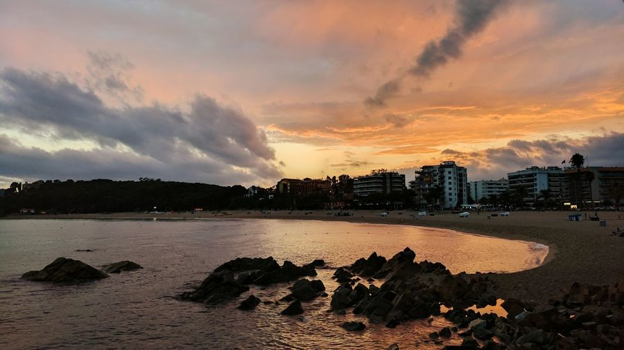 Cloud - Sky Sunset Dramatic Sky Beach Sea Beauty In Nature Sky No People Nature Scenics Vacations Water Travel Destinations Outdoors Night Horizon Over Water Vacations Spaın Barcelona Summer Landscape Nature Lloret De Mar Fenals