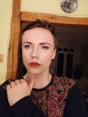 Makeup GenderEquality Genderfluid One Person Mac Cosmetics Eyeliner Jeffreestarcosmetics Jeffreestar Highlighter Glowing Like A Goddess Velourliquidlipstick