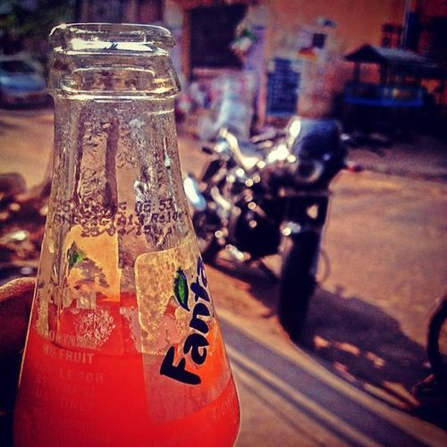 so hot out there... Lets get chill up Cool Photooftheday Glass Drinkup Fanta Awesome Soda Cola Coke Drinkstime Drink IPhone4s Sun Hot Iphonephotography Smartphonephotography Cooldrinks Myclicks @wonderful_india @ink361 @instagram Ps25under25