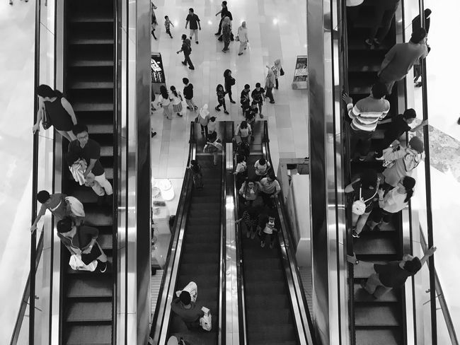 Steps And Staircases Walking Real People Large Group Of People Indoors  Streetphotography Street Photography Candid Bnw_collection Bnw Bnw_captures Blackandwhite Photography