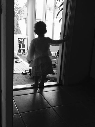 Look out world! Pies descalzos! EyeEm Best Shots Eyem Gallery Blackandwhite Black And White Siluetas Black & White Black&white Shadow Light Light And Shadow Blancoynegro Blanco Y Negro The Human Condition Childhood Child Cute Growth Crecer Simplicity Nophotoshop Silhouette Silence RePicture Growth My Best Photo 2015 EyeEm