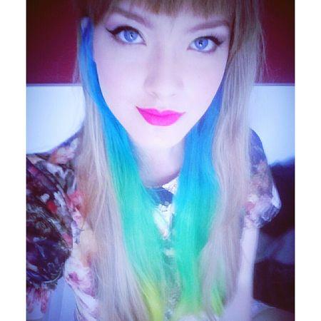 My face ^^ Taking Photos Home Faces Of EyeEm Myself Self Portrait Me Selfportrait Model Blue Hair Green Hair