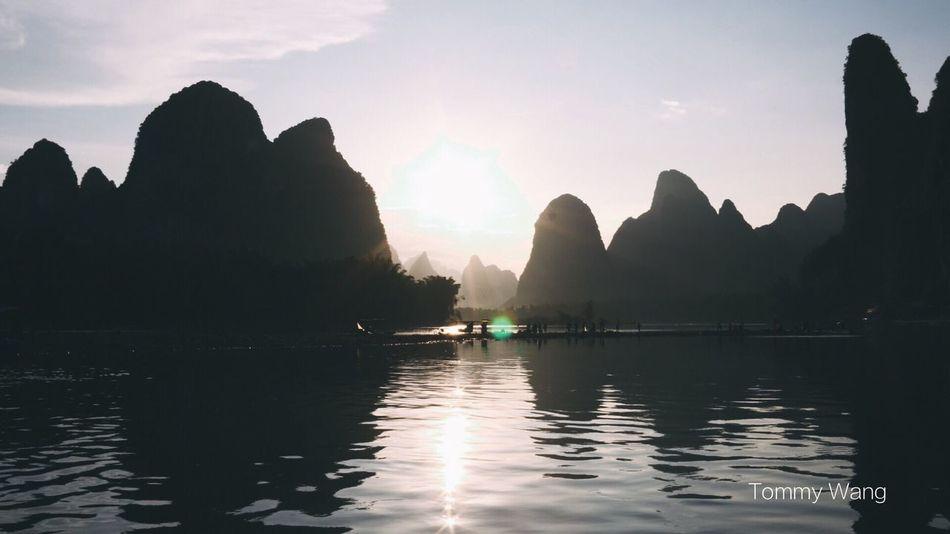 最美中国 China In My Eyes Tommy Wang Mountain Water Tranquility Reflection Scenics Nature Beauty In Nature Tranquil Scene Waterfront Outdoors Sky No People Day Sunset Nautical Vessel EyeEmNewHere EyeEmNewHere EyeEmNewHere