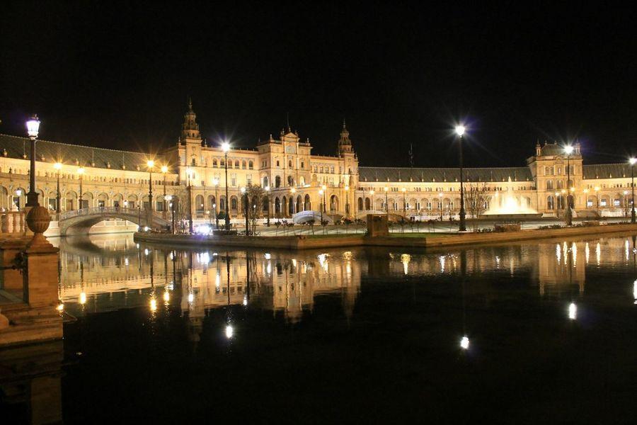 Plaza de España, Sevilla. Night Lights Travel Photography