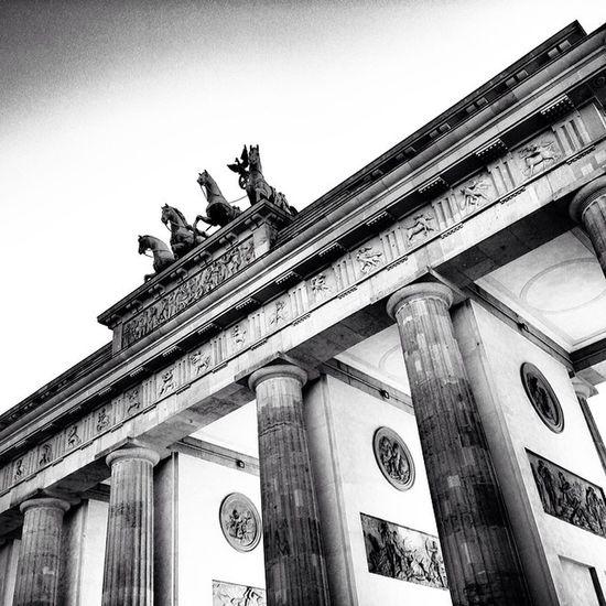 Brandenburgertor Berlin Brandenburger Tor sightseeing blackandwhite blackwhite