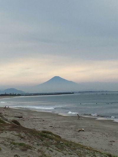 今日は波乗りは富士山が綺麗に見えたよ😊✨ 空パワー サーフィン 波乗り 綺麗な海 Shizuoka 富士山 Horiday Fun Times