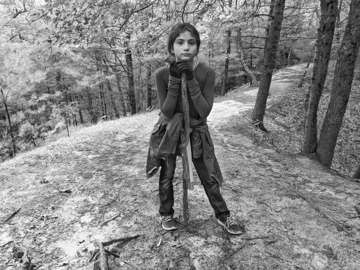Young Women Portrait Looking At Camera Beautiful Woman Front View Posing Attractive Beautiful Relaxing Moments Relaxed Moments Pretty Fashion Model Thoughtful Hiker Friend It's About The Journey