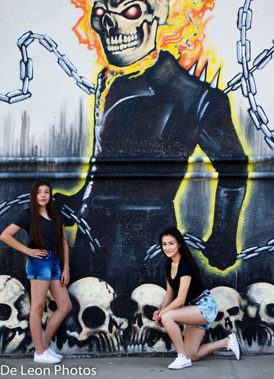 Modelgirl Photography TheGhostRider Mural Art Cute Girl Westbottomskc Check This Out EyeEmBestPics Beautiful Girl Kansas City