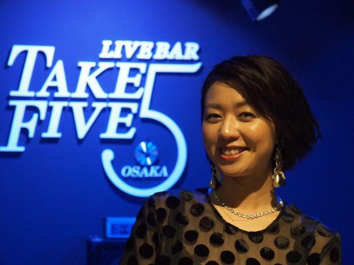 OSAKA Japan ASIA Suita Take Five Natsuki Morikawa Jazz Live Singer  Beautiful Woman Smiling Healing Olympus PEN-F 大阪 日本 吹田 森川七月 美人 女神 癒し 笑顔 可愛い 最高の時間