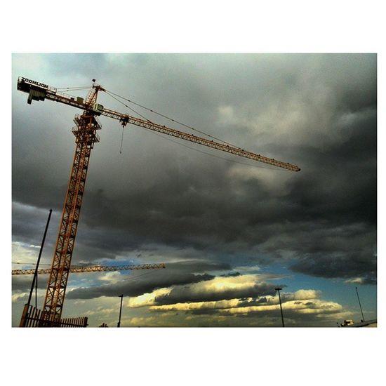 Sky Dark Cloudy Blue Sun Tower Crane After Hard Work Citystar Civil Engineer Concerte Project Spring Sunset Zoomlion