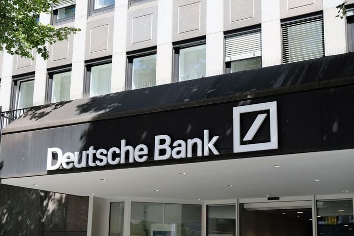 Mannheim, Germany - August 23, 2017: Deutsche Bank sign outside a local branch. It is a German global banking and financial services company with its headquarters in Frankfurt Business Deutsche Bank Bank Banking Building Building Exterior Finance Financial Money Outdoors Saving Money Savings Sign