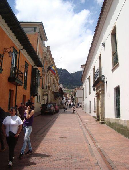 My City Paseando Por Calles Antiguas Hello World Bogota.