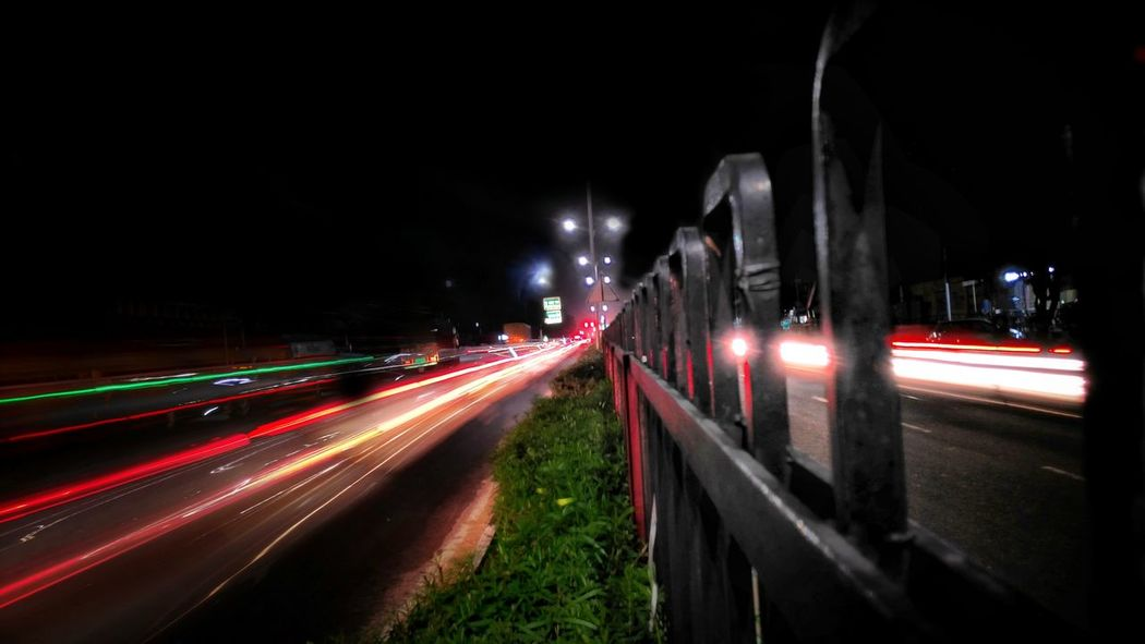 Speed Night Light Trail Illuminated Traffic Long Exposure Motion Transportation City Life Street City Street Road Outdoors Street Light Car City Red Vehicle Light No People Rush Hour Landscape_Collection Landscape Landscape_captures