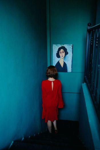 Painting Goingdownthestairs Stairs Wall Woman Melancholy Feminine  Reddress Sexygirl Colors Visual Creativity The Portraitist - 2018 EyeEm Awards
