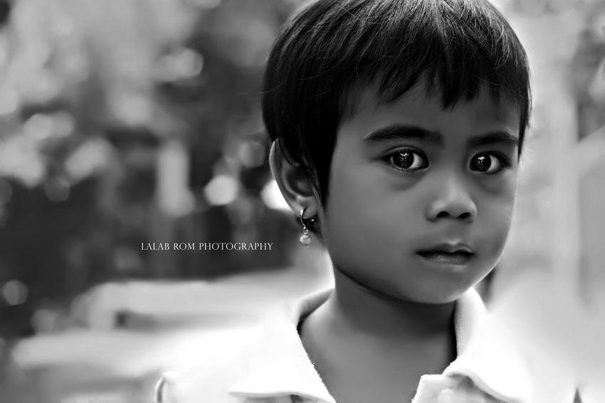 Inoccent eyes Rivetpointstudio Lalabromphotography Filipino Blackandwhite