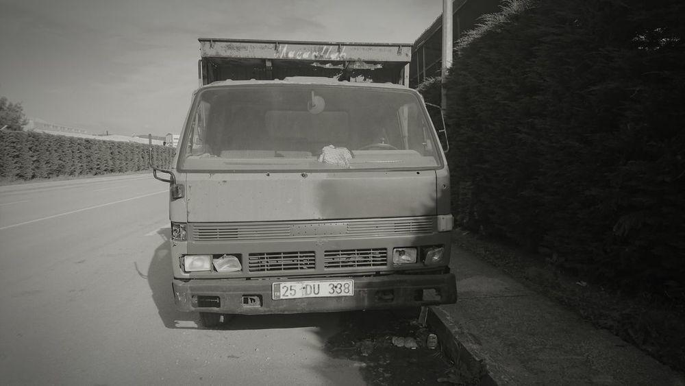 Road Old Van