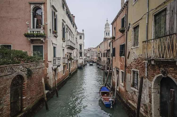 Canal Architecture Travel Destinations Gondola - Traditional Boat Water No People Italy Travel