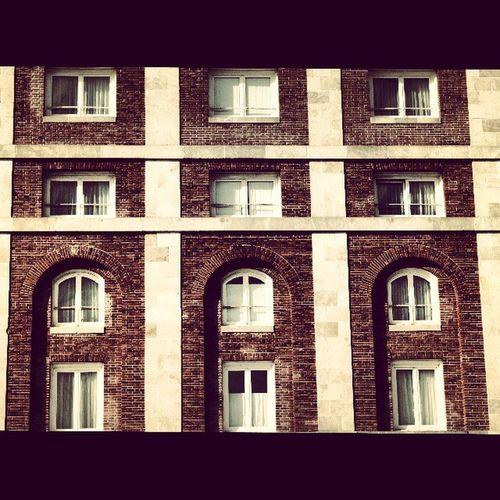 Physical Graffiti en el Hotel Provincial, Mar del Plata, Argentina. PhysicalGraffiti Ledzeppelin HotelProvincial Mardel Edificio Building Album