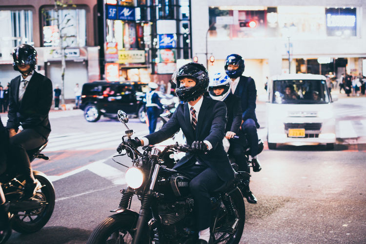 Check my ne blog post for more photos from Japan https://wysypisko.wordpress.com/2018/11/28/tokyokyoto/ Shibuya Riding Biker Helmet City Life People Lifestyles Street Land Vehicle Mode Of Transportation Real People Men Motorcycle City Capture Tomorrow Redefining Menswear Streetwise Photography