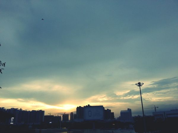 夕阳西下 Hello World