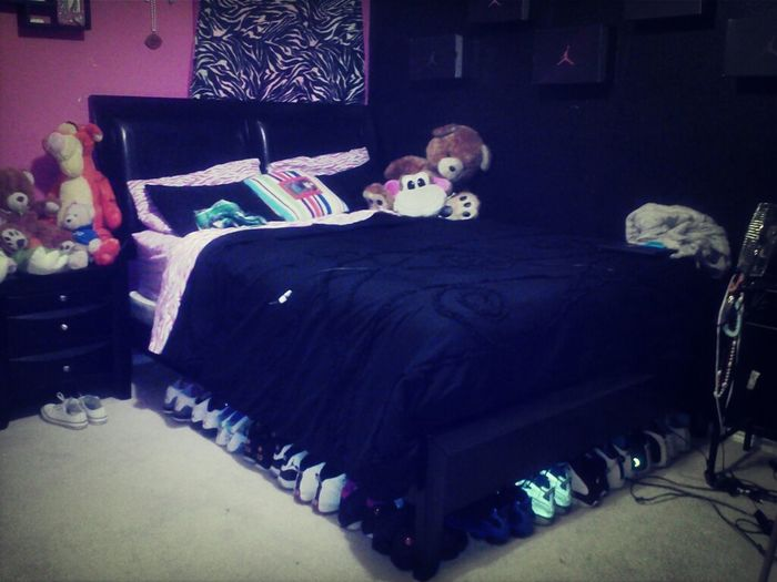 My Bed, My Bestfriend. Sorry I Gotta Leave You /;