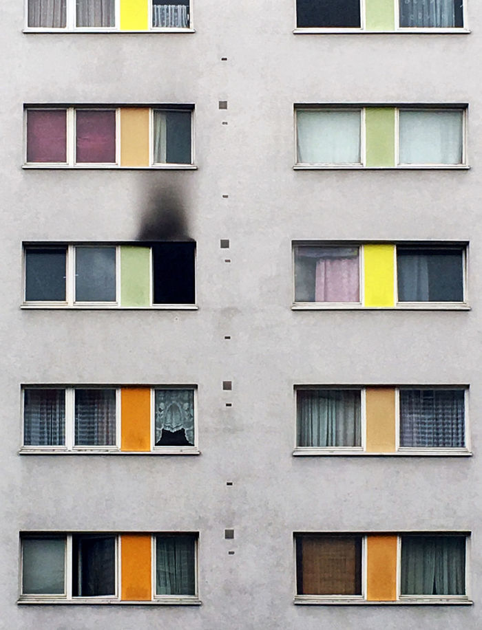 Colorful and tragic The Week On EyeEm Architecture Backgrounds Building Exterior Built Structure Discover Berlin Full Frame Multi Colored No People Outdoors Window Yellow The Architect - 2018 EyeEm Awards