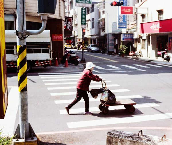 EyeEmNewHere Rollei35 Kodak Kodakcolorplus200 Kodakfilm Film Photography Streetphotography Taiwan Kaohsiung 街頭