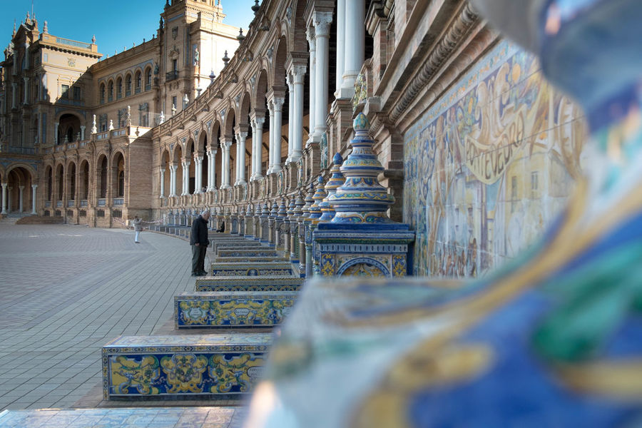 #mirrorless #sevilla #andalucía #spain #photo #photography #sky #sunset #beautiful Architecture Building Exterior Built Structure Culture Cultures Depth Of Field Famous Place Focus On Background Historic History International Landmark Ornate Place Of Worship Religion Selective Focus Spirituality Statue Temple Temple - Building Tourism Travel Destinations