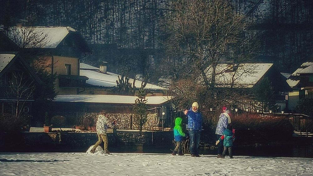 Followme Hallstatt, Austria People Are People Fun Family Amazing Winter Thoughtful Nature_collection Live, Love, Laugh Adventure Time People Watching Mesmerising Laughing Memories Snow Playing