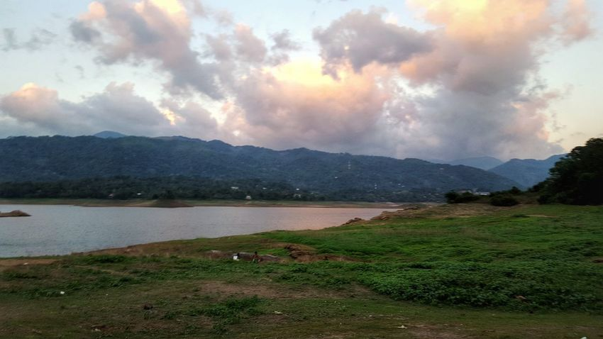 Vicotria Dam Sri Lanka Holidays ☀ Hello World Check This Out Hanging Out Relaxing Enjoying Life Hoilday Picture Beautiful SriLanka Jpl_photography Holiday POV Hi! Beautiful Nature Mountain View Summer ☀ Mountains Naturephotography Trees Hello World Hot Look Today Enjoying Life Beautiful Day Click Click 📷📷📷