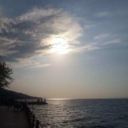 Degirmendere Sahil Gunes Bulut deniz