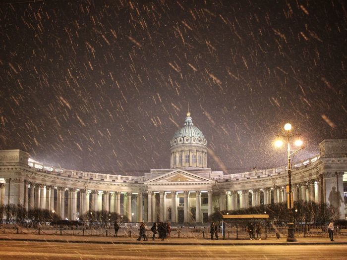 Kazanski cathedral of St Petersburg, Russia Architecture Snowing In The City Night Snow City Snow Night Street Cathedral Saint Petersburg Russia Sightseeing Night City Night Lights Culture City View  Kazan Cathedral казанский собор питер ночью ночной город City Travel Destinations Dome Built Structure Travel Building Exterior Night Outdoors The Architect - 2017 EyeEm Awards Neighborhood Map Shades Of Winter