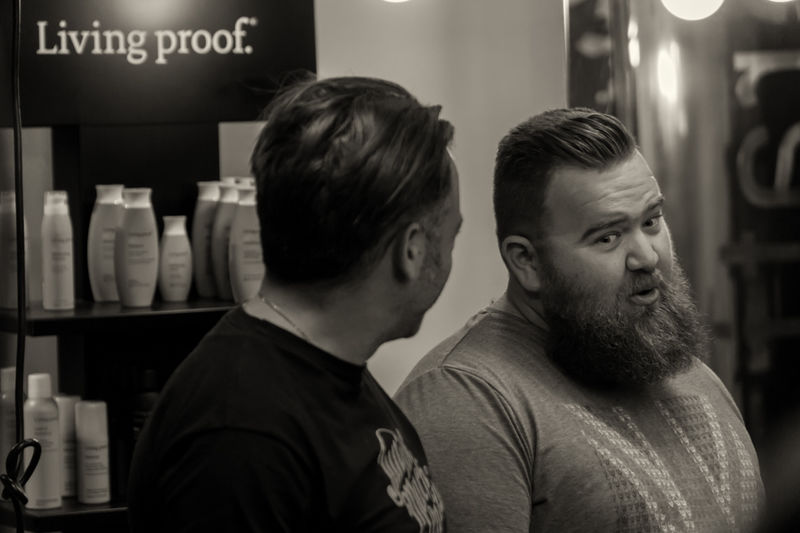 Everyday Street Photography Street Streetphotography Black And White Monochrome Black & White Streetphoto_bw People People_bw B&w Photo Hair Haircut Barbershop