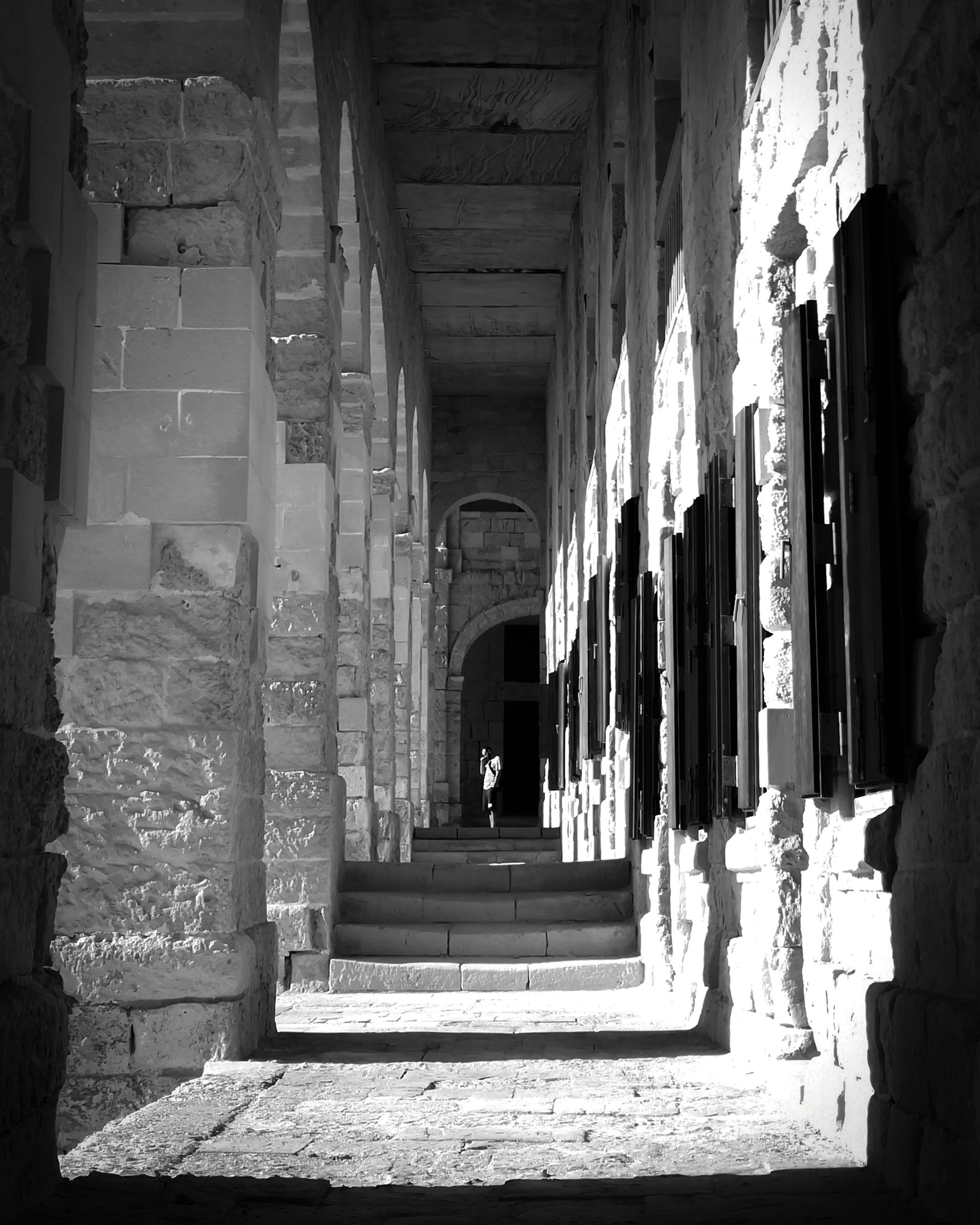 architecture, built structure, building, the way forward, direction, old, the past, arch, day, history, indoors, arcade, no people, architectural column, abandoned, corridor, staircase, damaged, sunlight, diminishing perspective, deterioration, ruined