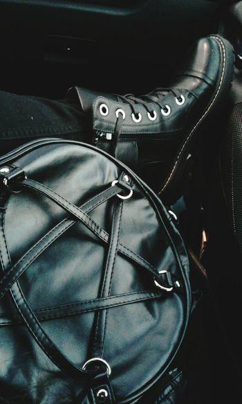 Boots Boots❤ Comfortable Comoda BotasNegras Botas Escuchandomusica Musicametal Musica Bolsa Banned Pentagram Pentagrama AllBlack Everything