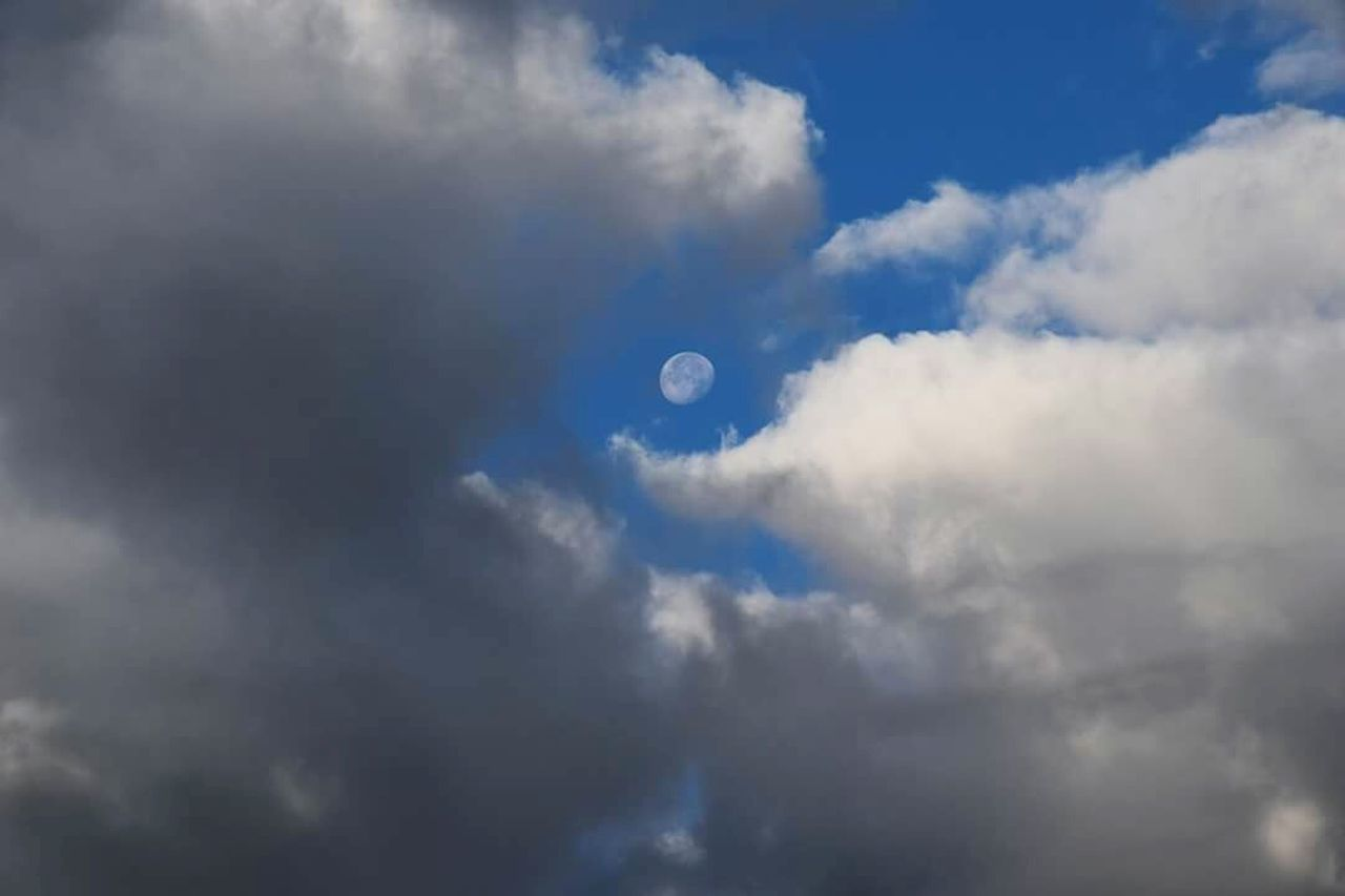 nature, cloud - sky, sky, moon, beauty in nature, scenics, tranquility, tranquil scene, low angle view, outdoors, sky only, no people, day, space exploration, astronomy, space, half moon, crescent
