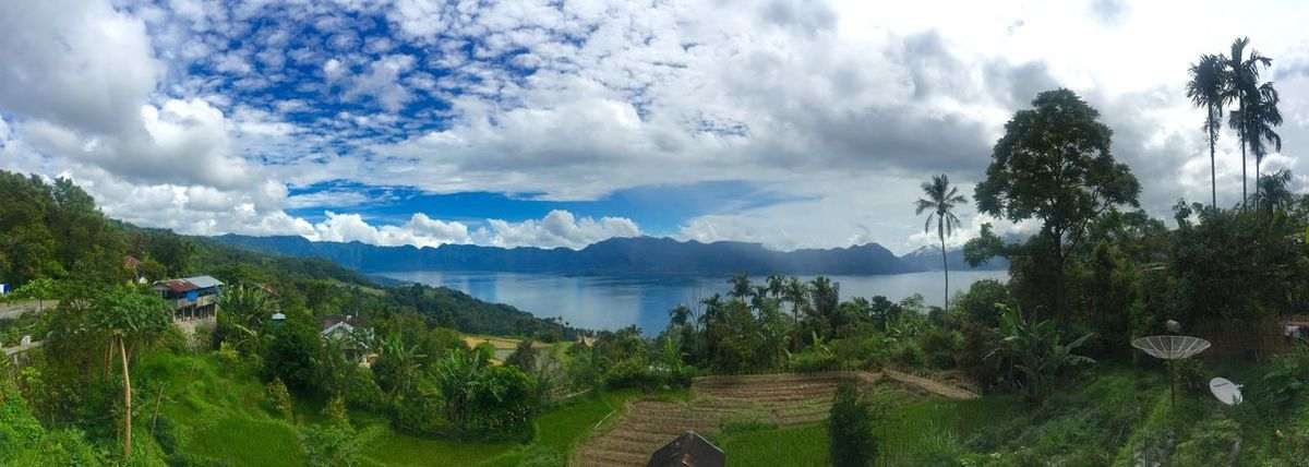 Bird's eye view of tasik maninjau Indonesia Lake Maninjau Bukittinggi INDONESIA Breathtaking IPhone6 Plus Clear Sky Panorama Taking Photos Blue Beautiful