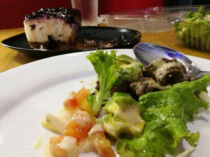 Good food Beefceasarsalad Freshness Blueberrycheesecake Healthylifestyle Healthyfood HappyTummy Alhamdulillah