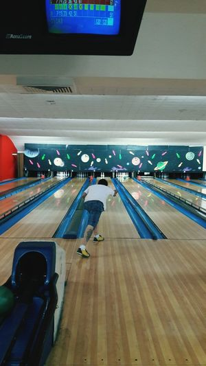 Boliche time Bowling Bowling Time Mexico City Samsung J7 Photography Indoors  Photograpy Cute Sports Day  Entertainment Area Funny Times High Angle View