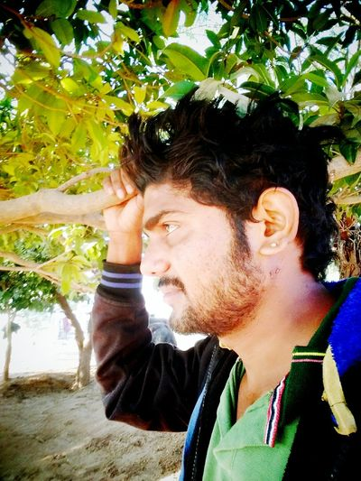 Rohan Rajiv Rahul Tree One Person Real People Day Young Adult Leisure Activity Headshot Nature First Eyeem Photo