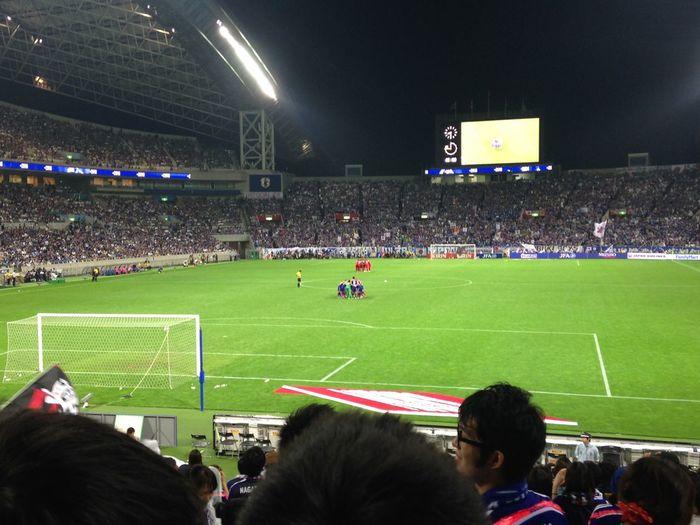 サッカー日本代表 Samuraiblue ハリルJAPAN FIFAWorldCup2018 2次予選 第2戦 カンボジア戦 ゴール裏 3-0で勝ち点3。年内ホーム最終戦が勝利でよかった。しかしもっと取れた。韓国や他のアジアのライバル国は格下相手に大量得点。全然足りない。次はアウェー。9月3日