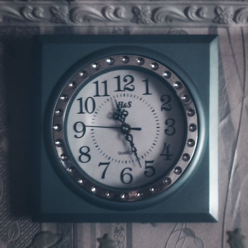 Beauty Clock Clock Face Close-up Day Hour Hand In My Room Indoors  Instrument Of Time Lightroom Midnight Minute Hand Modern Modernism No People Number Snapseed Square Time VSCO VSCO Cam Vscocam Vscogood Vscogrid Vscophile