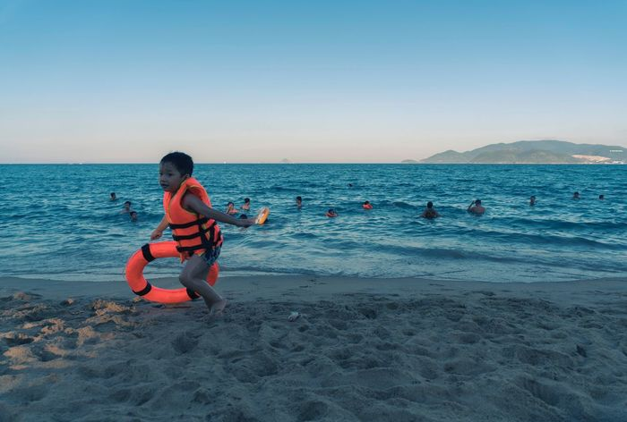 Nha Trang Vietnam Kids Sea Beach Leisure Activity Childhood Playing Safeguard