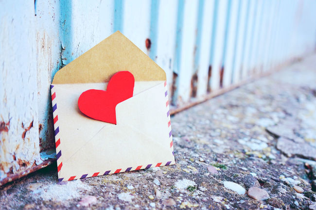 Red Heart Shape No People Close-up Day Focus On Foreground Wood - Material Outdoors Love Positive Emotion Paper White Color Emotion Sign Textured  Selective Focus Nature Wall - Building Feature Bark Valentine's Day  Mail Card Heart Valentine's Day - Holiday