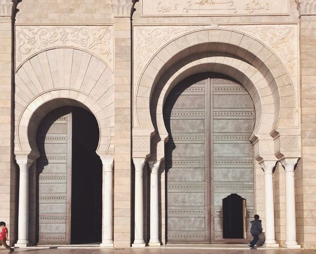 Showcase: February BIG Door Doors Mosque Architecture Architecture_collection Arabic Arabic Architecture Children Light And Shadow The Architect - 2016 EyeEm Awards