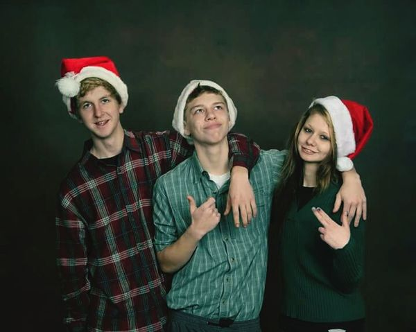 Portrait Christmas Togetherness Looking At Camera Holiday - Event Mature Adult Real People Friendship Gangsta family pictures 💖